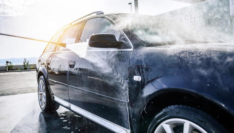 Pinnoite helpottaa ajoneuvon pesemistä ja vähentää pesukertoja