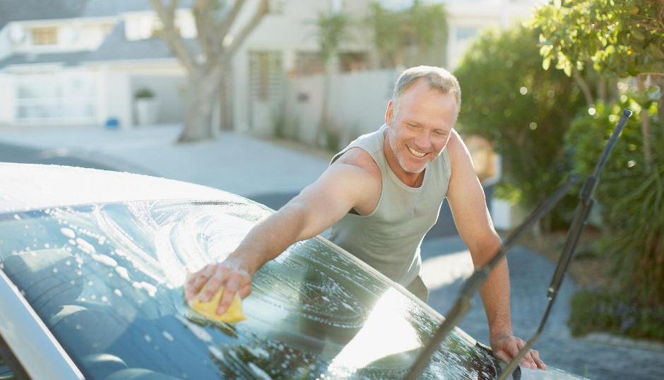 Ota nämä huomioon, kun peset auton itse